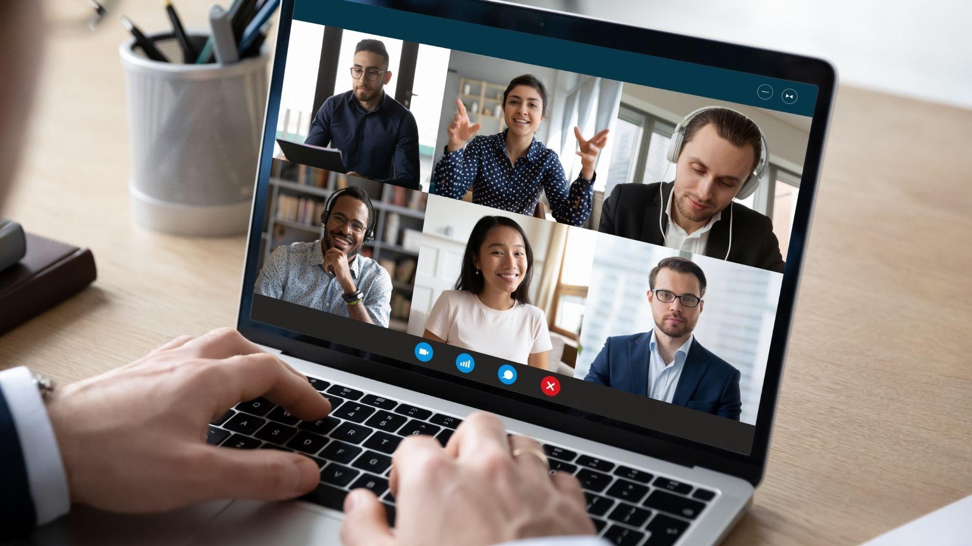 Utiliser les conférences en ligne dans un parcours client